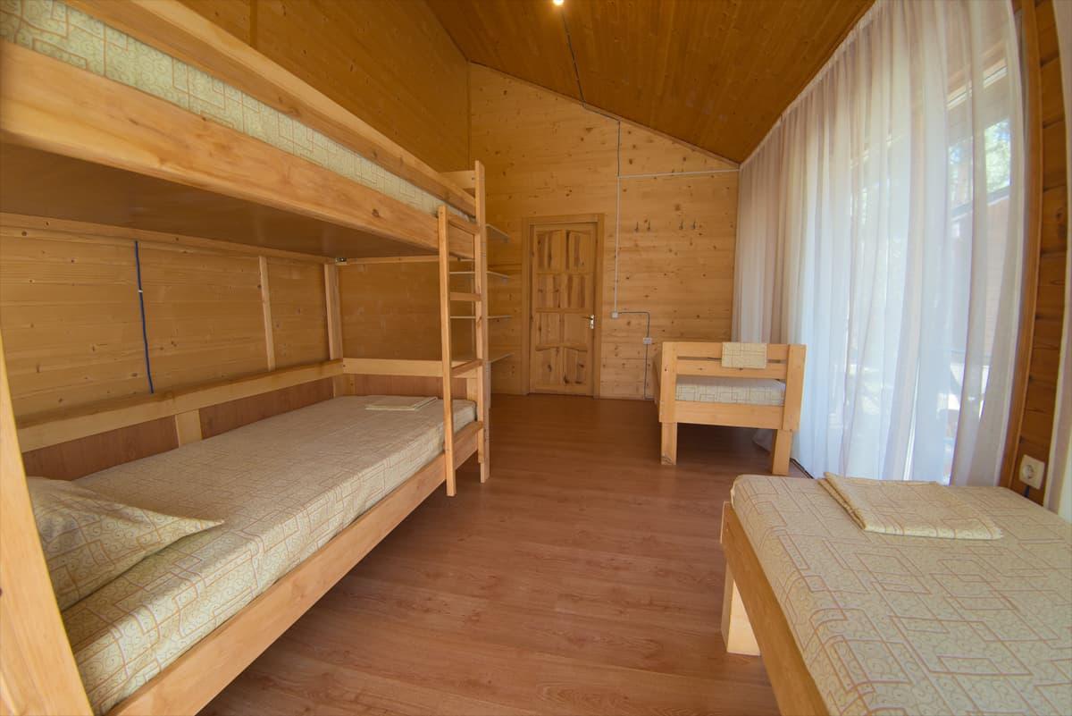 Комната с двуспальной кроватью